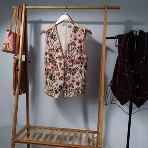 Buttondown Embroidered Tapestry Floral Vest Size L